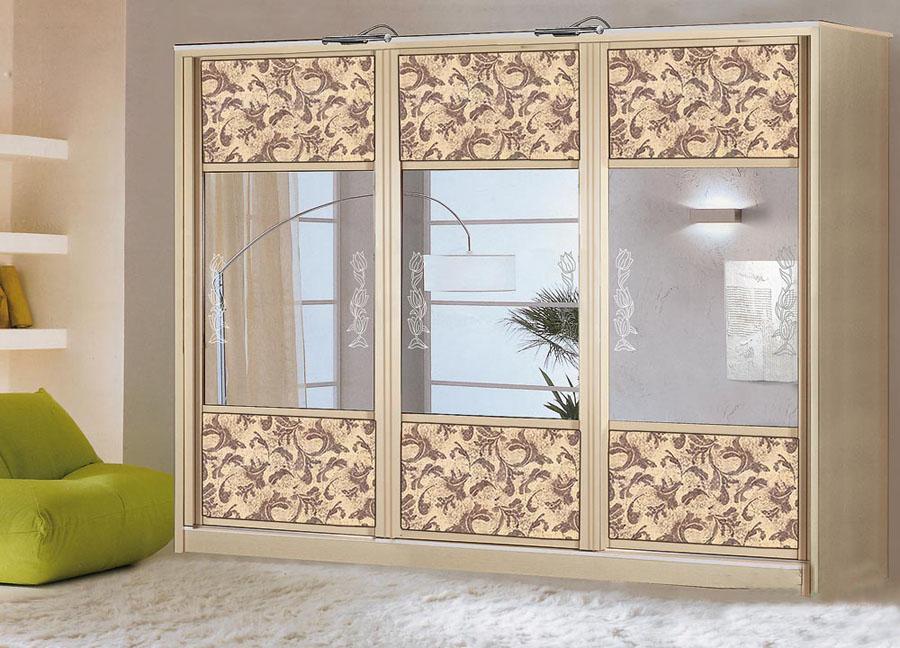 Шкафы с дверями купе: дизайн фасада в интерьере гостиной, и .