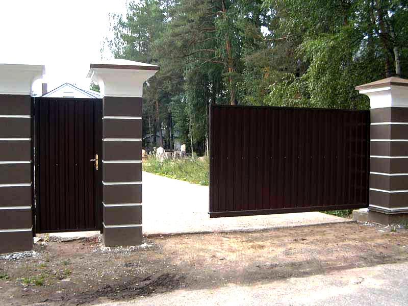 Конструкция откатных ворот своими руками