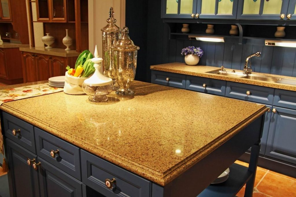 Столешница для интерьера кухни, нюансы в выборе рабочей поверхности