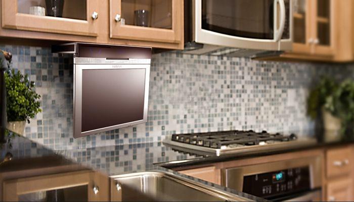 Телевизор на кухню: как выбрать, варианты размещения