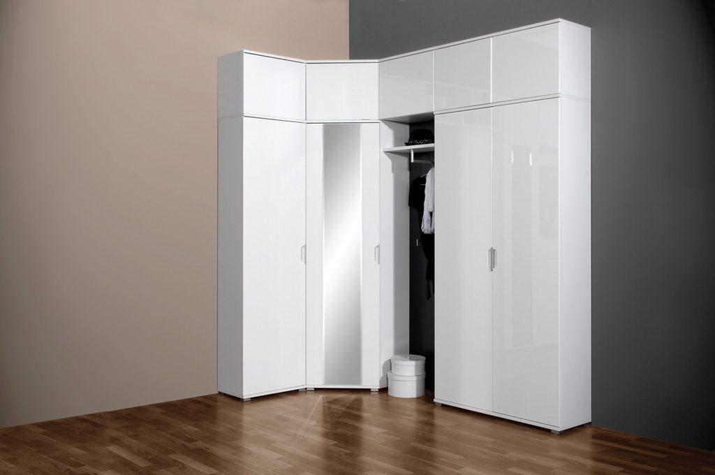 Современный угловой шкаф в прихожую