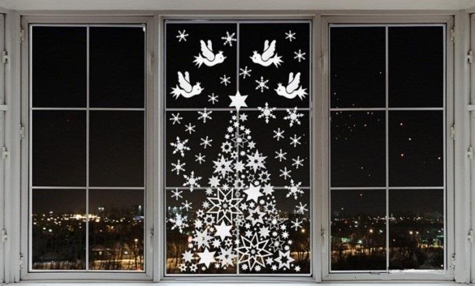 Как сделать своими руками украшения для окон к Новому году
