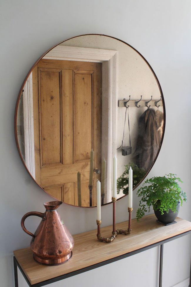 Как правильно подобрать настенное зеркало в прихожую