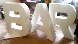 Почему важно заказывать пенопластовые буквы